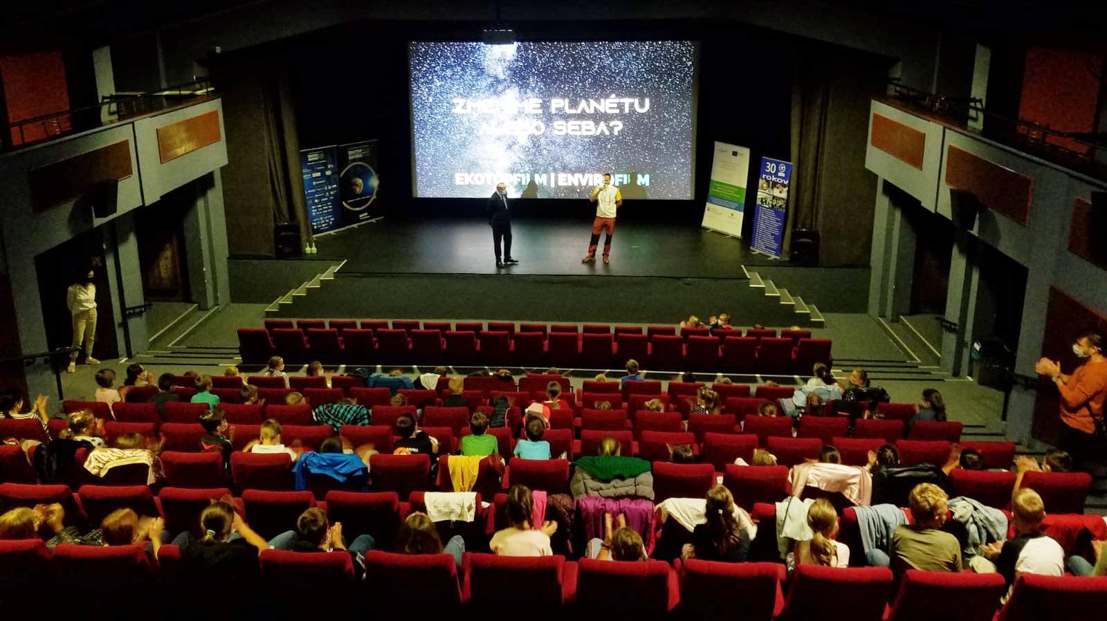 Cez filmy budujeme u detí vzťah k prírode. Dali sme si za cieľ ovplyvniť generáciu, ktorá nastúpi po nás.